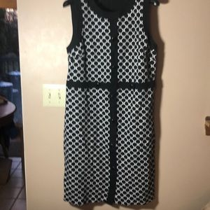 Flattering,Talbots geometric sheath dress size lg